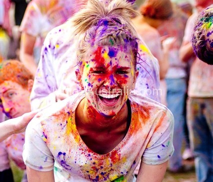Color Run – Holi Hijacked