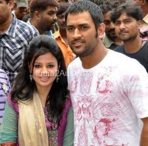 dhoni and sakshi