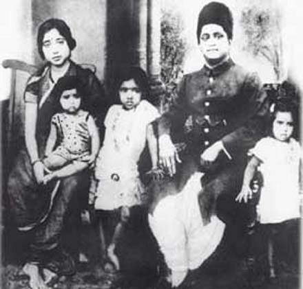 Asha Bhosle with parents