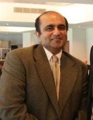 Kersi-Darshak-Mehta-3-with-Barry-OFarrell-495x330