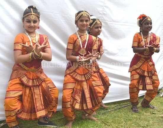 st kilda festival indian dancers